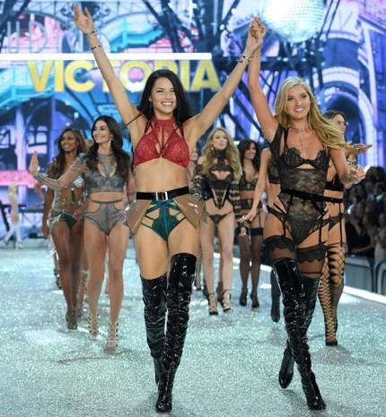 Angyalok Párizsban - Ilyen volt a 2016-os Victoria's Secret Show