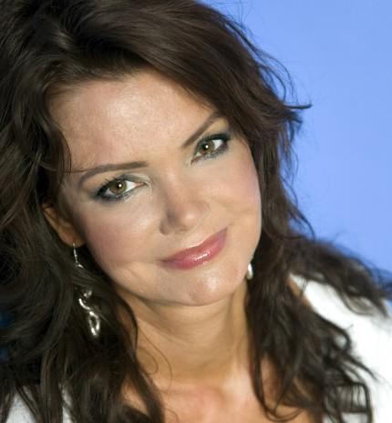A nőnek zöld szeme van, és csak átmenetileg vak, mint a szerelem. - 49 évvel ezelőtt született Tóth Krisztina