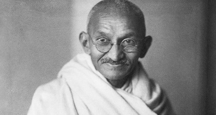 Gandhi - Nekünk kell a változássá lennünk, amit a világban látni akarunk.