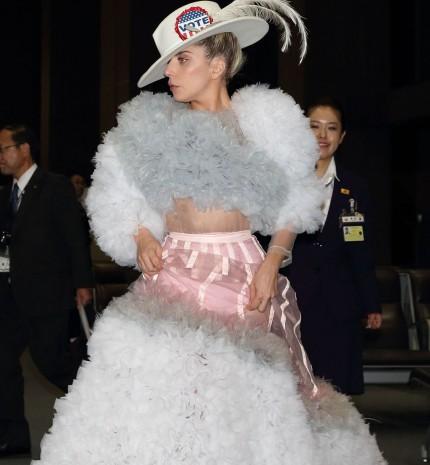 Lady Gaga 10 legextrémebb outfitje, avagy vajon mit visel a popkirálynő a Super Bowl-on?