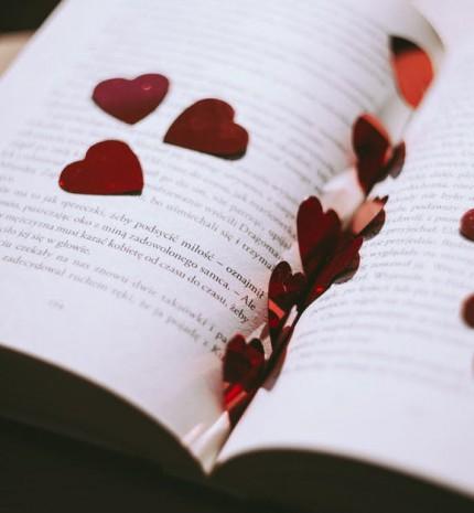 """""""Ünnep leszek, mert ünnepként fogadtál."""" - gyönyörű versek a szerelem ünnepére"""