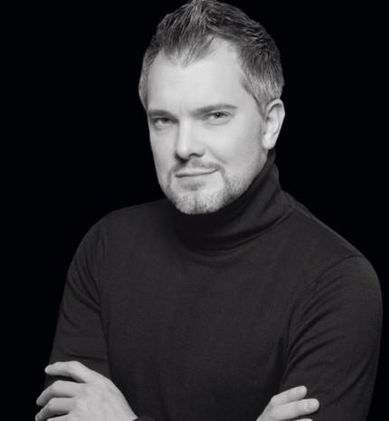"""""""Gondoljunk a sminkre úgy, mint egy kiegészítőre""""- interjú José-Louis Yuvé-vel, a Guerlain sminkmesterével"""