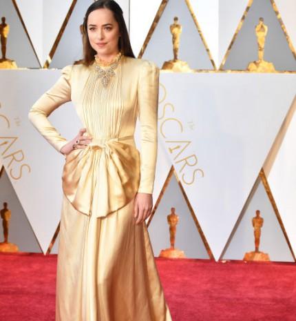 Metálszínek és romantikus csipkeanyagok uralták a 2017-es Oscar-gálát