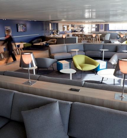Átadták a Charles de Gaulle repülőtér felújított váróját