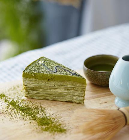 Matcha crepe cake recept