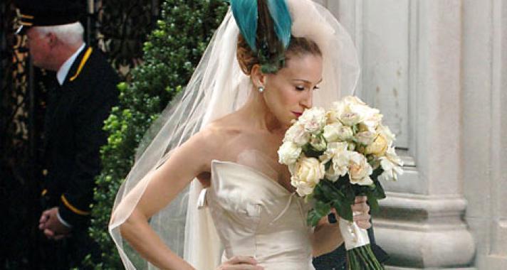 A 10 legemlékezetesebb menyasszonyi ruha sorozatokból