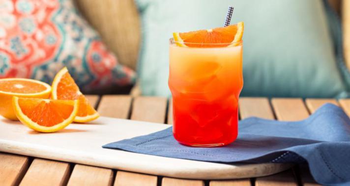 5 frissítő gyümölcsös koktél nyári estékre