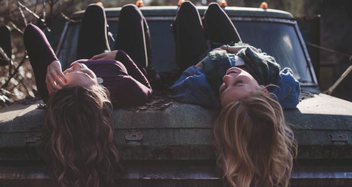 5 dolog, ami miatt szerencsés vagy, ha van egy nővéred