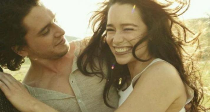 Jon Snow és Daenerys a valóságban - elbűvölő fotósorozat Kit Harington-ról és Emilia Clarke-ról