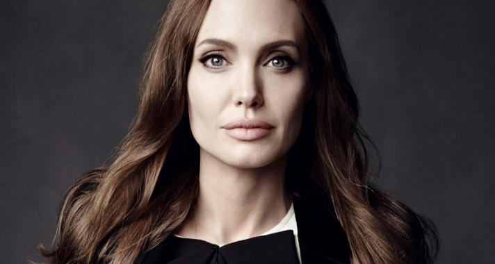 """""""Csodálatos dolog másokért élni. Nyugalmat ad, belső békét."""" Idézetek Angelina Jolietól"""