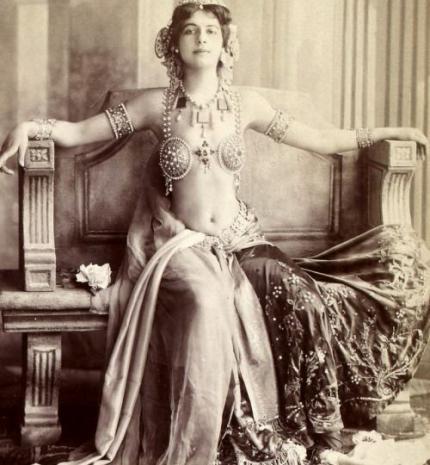 Minden idők leghíresebb kémnője – érdekességek Mata Hari botrányos életéről