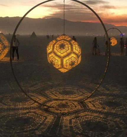 10 kép a Burning Man-ről, ami után alig fogod várni a nyarat és a fesztivál szezont