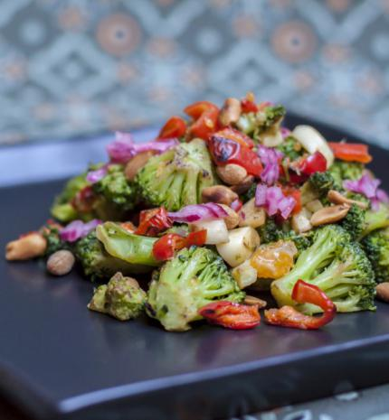 Recept rohanós hétköznapokra: ázsiai brokkolisaláta