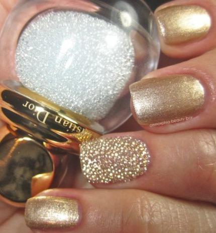 Top10: hangolódj a télre arany színű körmökkel