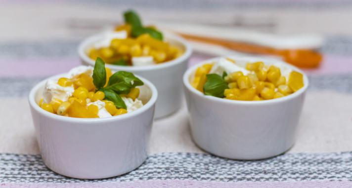 Izgalmas köret: barackos-fetás kukoricasaláta