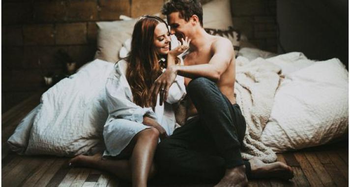 Az első szerelemből valóban születhet boldogan éltek, míg meg nem…?