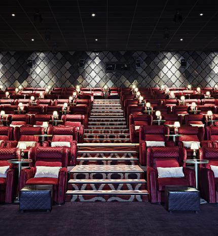 Újra mozizhatunk a MOM Parkban