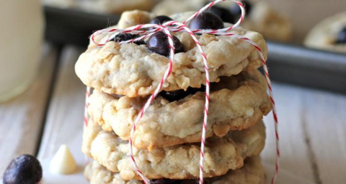 Áfonyás-fehércsokis cookie recept