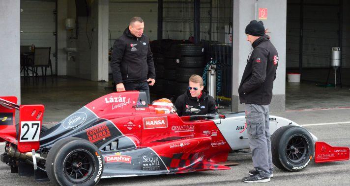 Szlovákiában tesztelt a Gender Racing