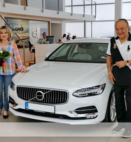 Korda György álomszép luxusautóval ajándékozta meg feleségét!