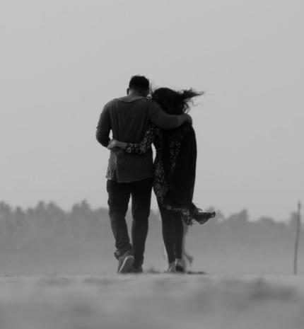 A szeretlek szó ellentéte nem a gyűlöllek, hanem a szerettelek