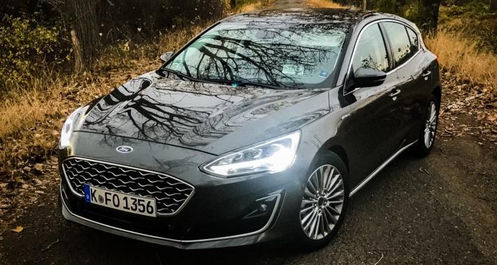 Pályán és szerpentinen egyaránt gyerekjáték a vezetés - Kipróbáltuk az új Ford Focus-t