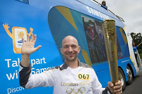 Vadon Jani is futott az olimpiai lánggal
