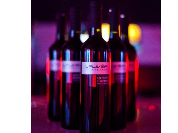 Különleges avantgárd borkóstoló