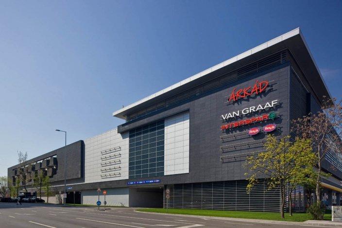 Megnyitott az ország legnagyobb bevásárlóközpontja