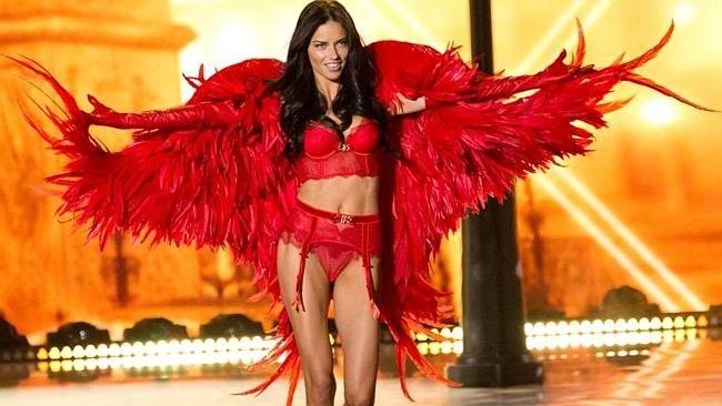 Itt a teljes Victoria's Secret Show!
