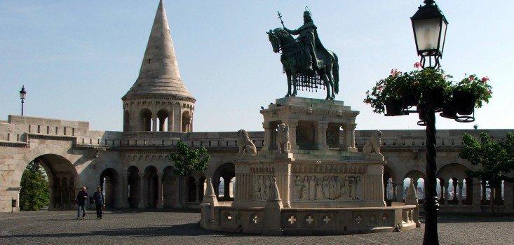 Április 2.-án kezdődik az I. kerületi Szentháromság tér felújítása