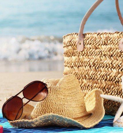 13 elengedhetetlen kellék a strandtáskádból