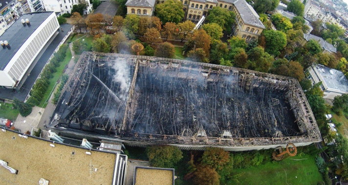 Kiégett a TF sportcsarnoka