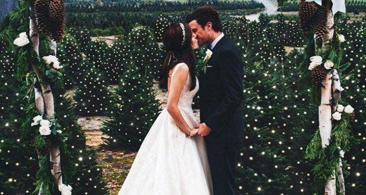 Téli esküvő egy fenyőfarmon