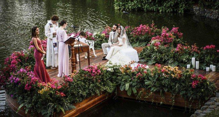 Mesébe illő, trópusi hangulatú esküvő Kolumbiában