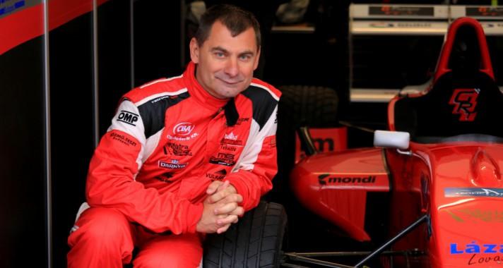 Bemutatkozik Eszenyi László, a Gender Racing Team pilótája