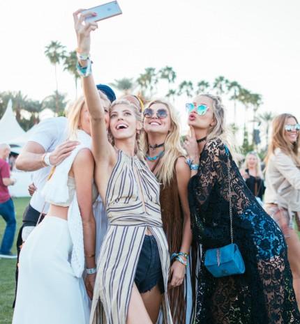 Múltheti ruhamustra: Kedvenc sztárjaink a jóügy érdekében öltöttek dizájner estélyiket