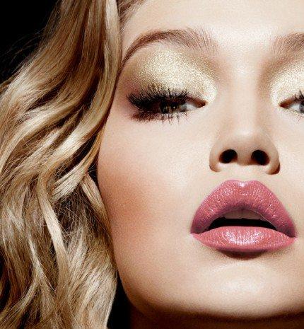 Így készíts matt ajkakat fényes rúzsokból!