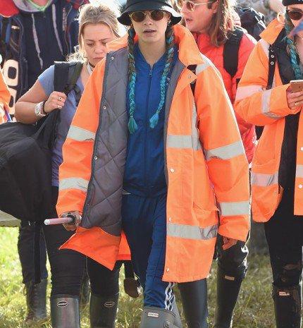 Gumicsizma és kukás kabát - avagy inspirálódj te is a Glastonbury fesztiválból