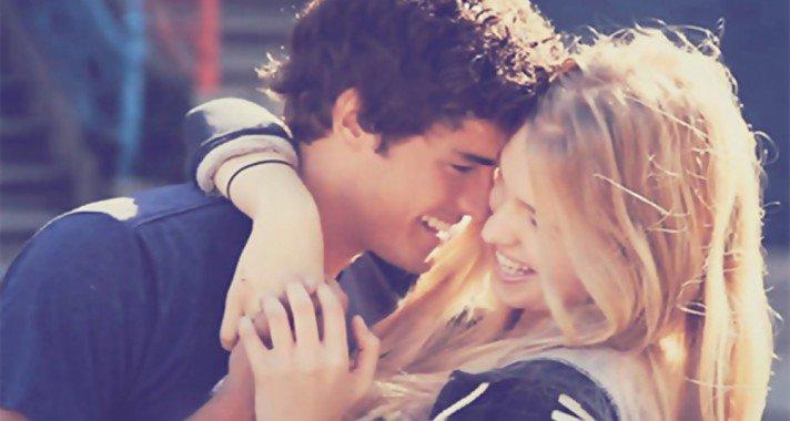 10 jele annak, hogy őszintén szerelmes beléd a férfi, akivel együtt vagy