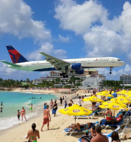 A világ 10 legmeredekebb repülőtere