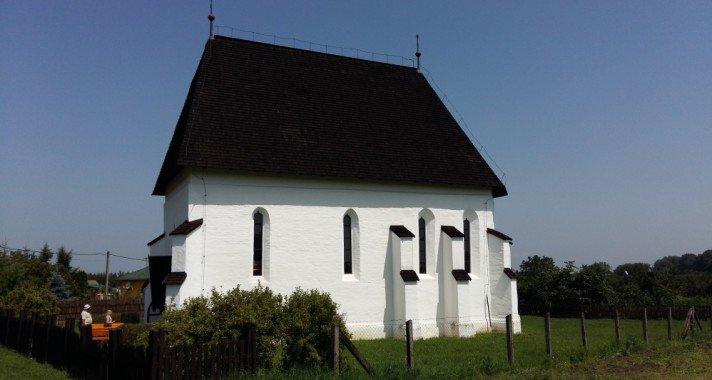 Középkori templomok útján