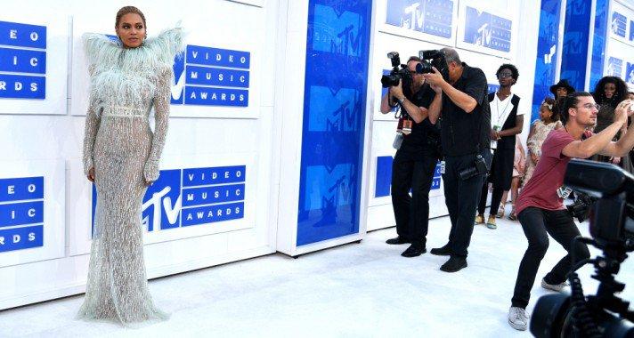 Angyalok és démonok az MTV VMA vörös szőnyegén