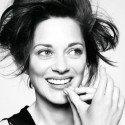 Önmagamnak lenni sem egyszerű, hát még mássá válni csak a reklám kedvéért. - Marion Cotillard