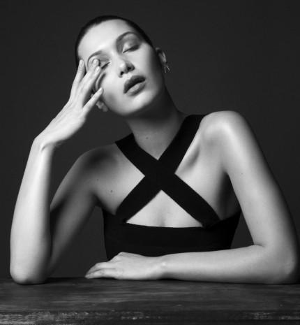 Néha furán érzem magam még mindig, ha szelfizgetek - Bella Hadid stílusalbum