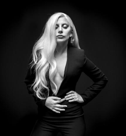 Soha ne hagyd, hogy bárki a világon azt mondja, hogy nem lehetsz az, aki lenni akarsz - Lady Gaga stílusalbum