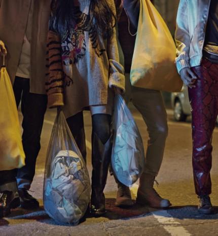 A H&M globális mozgalmat indít a használt ruhák gyűjtésére legújabb újrahasznosítási kampányával