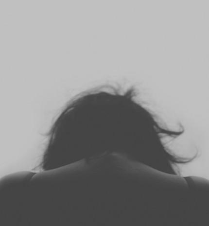 A gyász sikító csendje