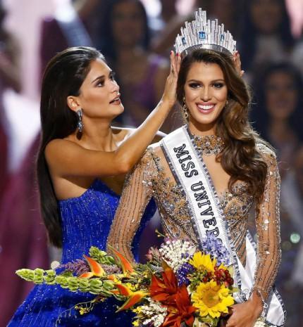 A francia szépségkirálynő fejére került a korona a Miss Universe döntőjén