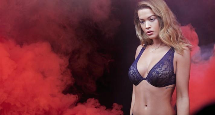A Tezenis, a legcoolabb fehérnemű márka arca ismét Rita Ora lett.